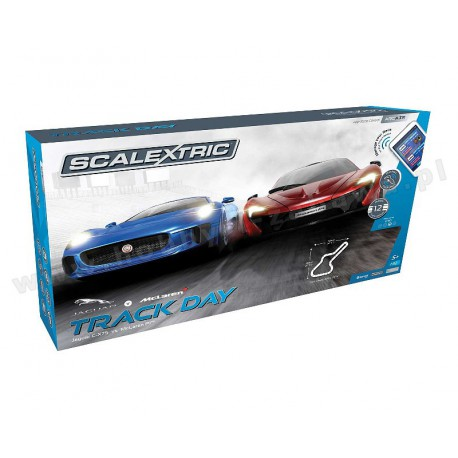 Scalextric C1358 ARC AIR Track Day Set